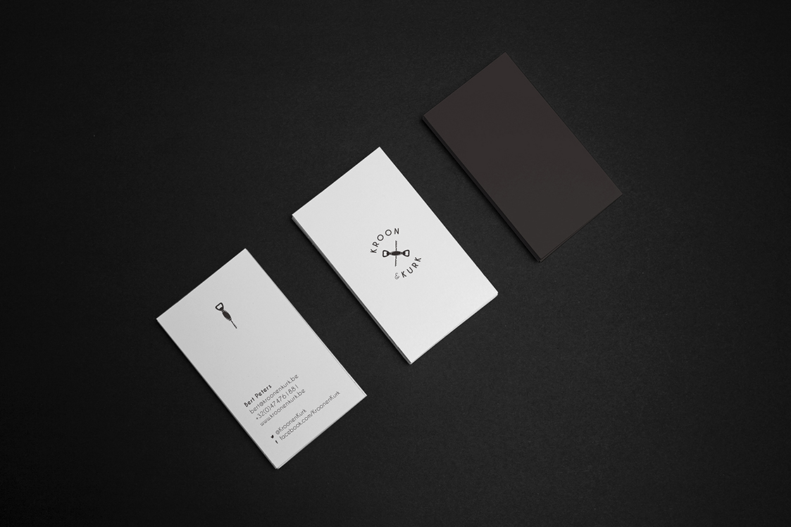 k&k_Business-Card-Mockup_1123